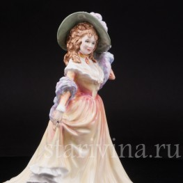 Статуэтка из фарфора Девушка в шляпке с перстнем, Royal Doulton, Великобритания, 1992 год.